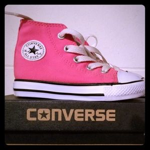 Converse toddlers size 6